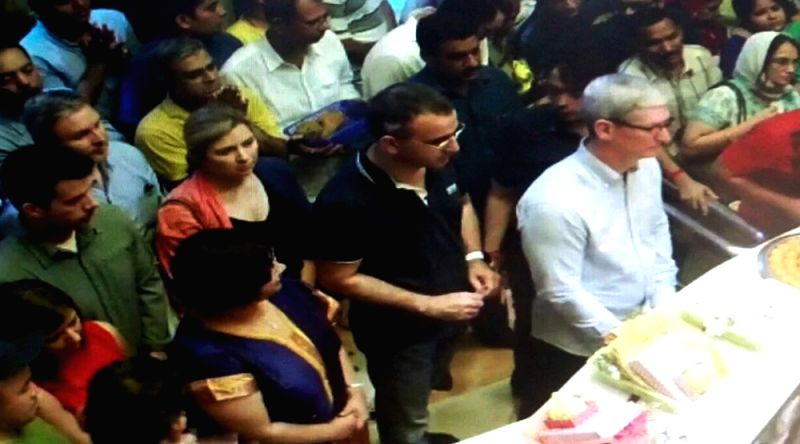 Apple CEO, Tim Cook visiting Siddhivinayak Temple in Mumbai on May 18, 2016.