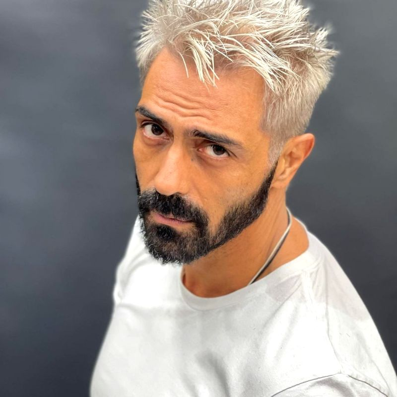 Arjun Rampal flaunts platinum blonde hair.(photo:Instagram)