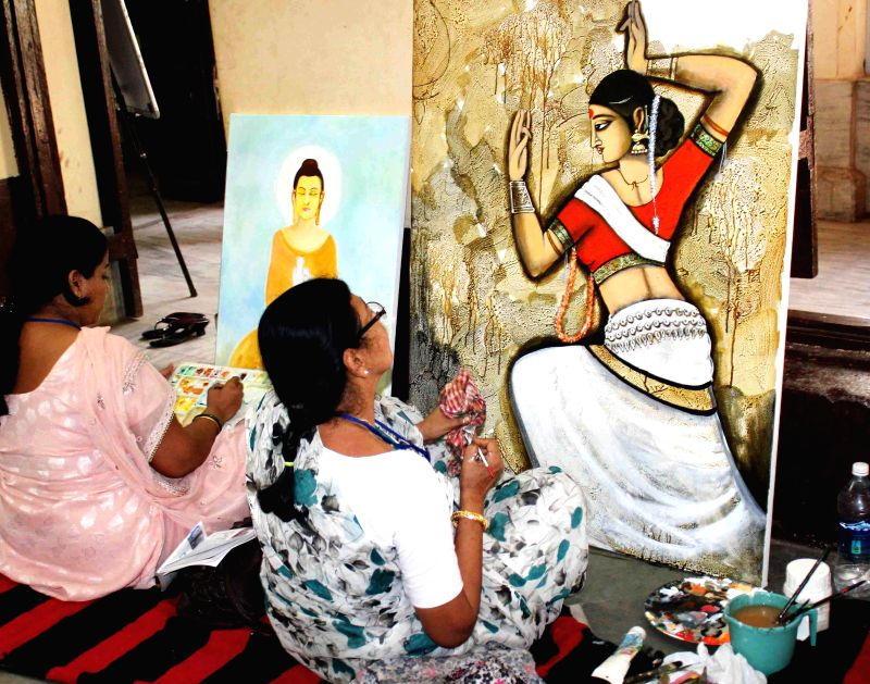 Artists from different countries participate in International Art competition in Cuttack on April 19, 2014.