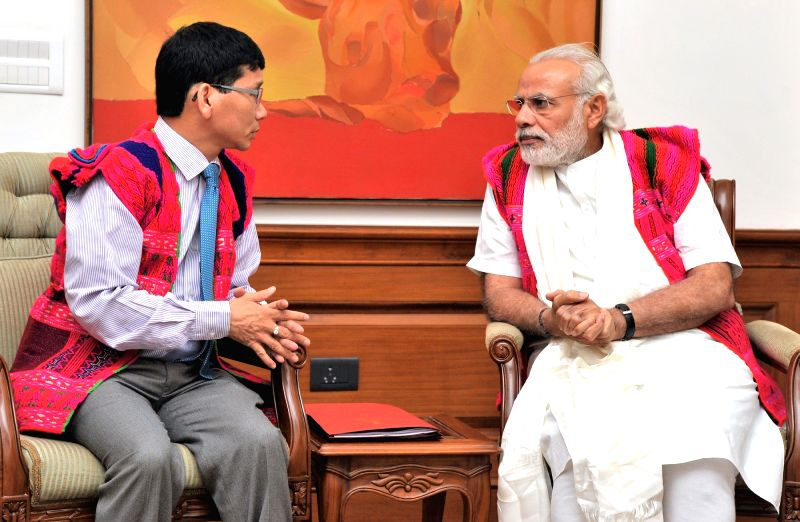 Arunachal Pradesh Chief Minister Kalikho Pul calls on the Prime Minister Narendra Modi, in New Delhi on April 6, 2016. - Kalikho Pul and Narendra Modi