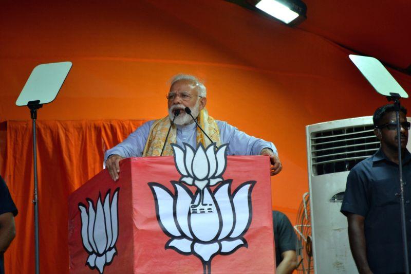 Asansol : Prime Minister Narendra Modi addresses a public rally in Asansol, West Bengal on April 23, 2019.
