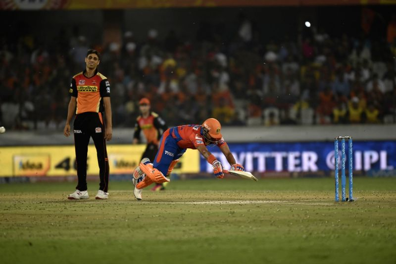 Ashish Nehra of Sunrisers Hyderabad during an IPL match between Sunrisers Hyderabad and Gujarat Lions at Rajiv Gandhi International Stadium in Hyderabad on May 6, 2016. - Ashish Nehra