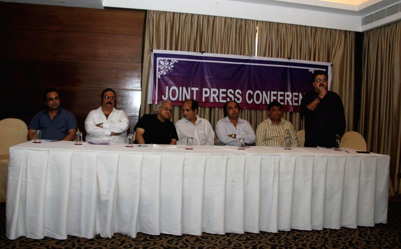 Ashish Rego, Dilip Pithwa, Kamlesh Pandey, Dharmesh Tiwari, Sangram Shirke, Abhay Sinha & Ashok Pandit during the press conference for the clarification on the true occurrences in the conflict ... - Kamlesh Pandey and Abhay Sinha
