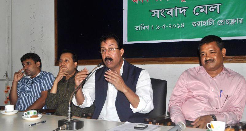 Asom Sankyalaghu Unnayan Parishad chief Mohibul Hoque during a press conference in Guwahati on May 9, 2014.