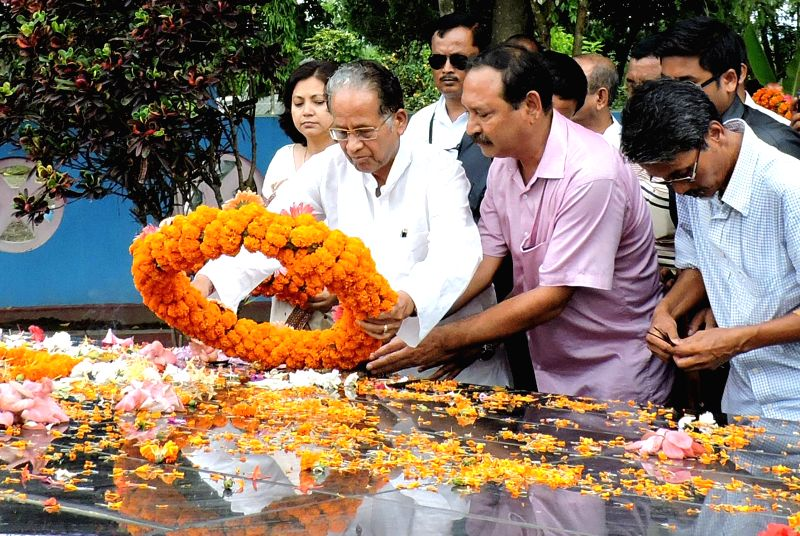 Assam Chief Minister Tarun Gogoi and Assam Cultural Minister Pranati Phukan pays floral tribute to multifaceted artist and revolutionary singer Bishnu Prasad Rabha on his birth anniversary in Tezpur . - Tarun Gogoi
