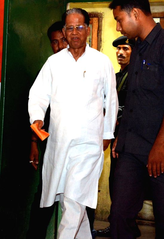 Assam Chief Minister Tarun Gogoi arrives to attend Assam Congress Executive meeting at Rajiv Bhawan in Guwahati on July 3, 2014. - Tarun Gogoi