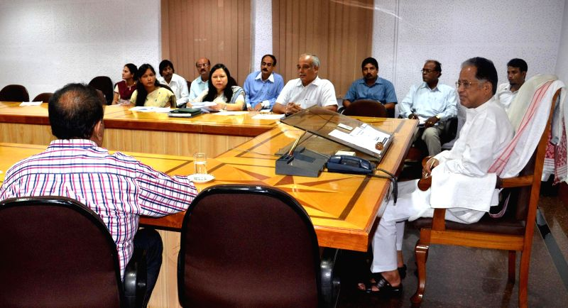 Assam Chief Minister Tarun Gogoi during a meeting to review Sarva Shiksha Abhiyan in Guwahati on Sept 4, 2014. - Tarun Gogoi