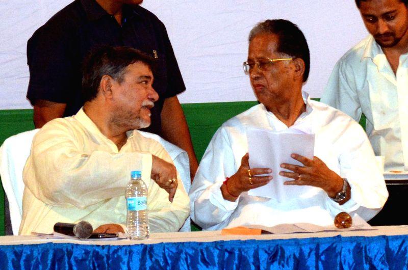 Assam Chief Minister Tarun Gogoi with Assam Congress President Bhubneshwar Kalita during Assam Congress Executive meeting at Rajiv Bhawan in Guwahati on July 3, 2014. - Tarun Gogoi