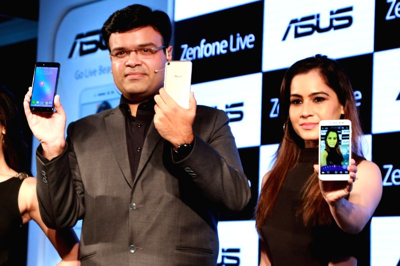 """ASUS unveils its new smartphone """"ZenFone Live"""", in New Delhi on May 24,2017."""