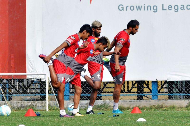 ATK players practice ahead of the ISL match against Bengaluru FC in Kolkata on Feb 2, 2018.