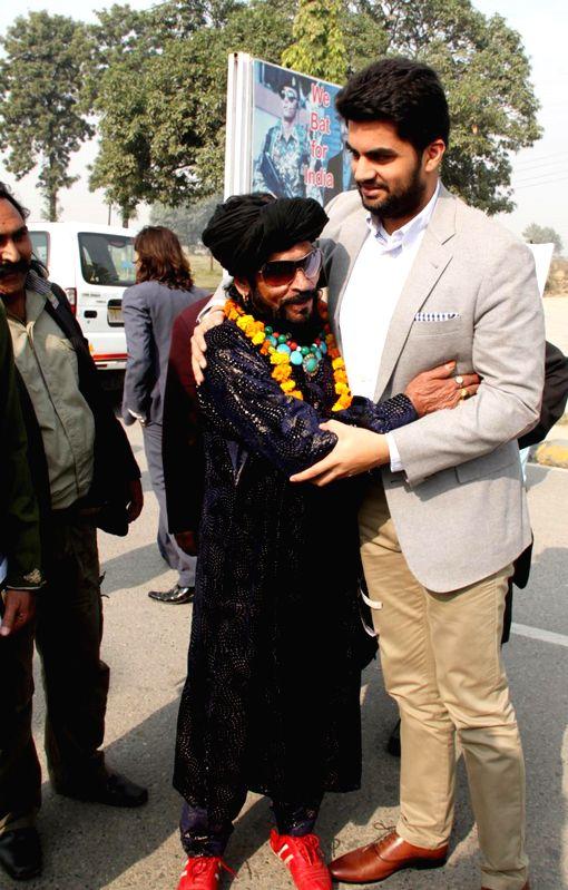 Pakistani theatre artists arrive in India via Attari land border to participate in Saanjh - the11th Amritsar-Lahore Peace Festival on Nov. 28, 2014.