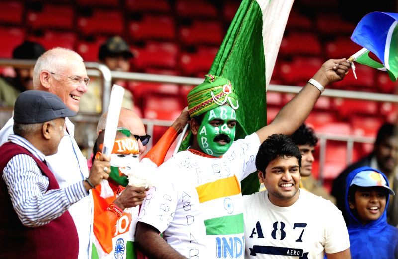 Audience at M Chinnaswamy Stadium in Bengaluru, on Nov 18, 2015. The second test match between India and South Africa has been called off due to bad weather.