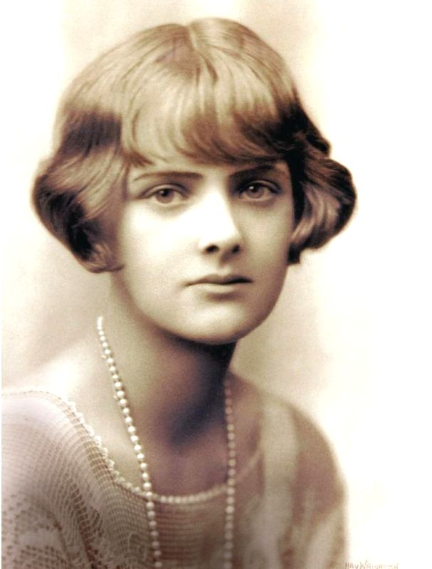 Author Daphne du Maurier in her heyday