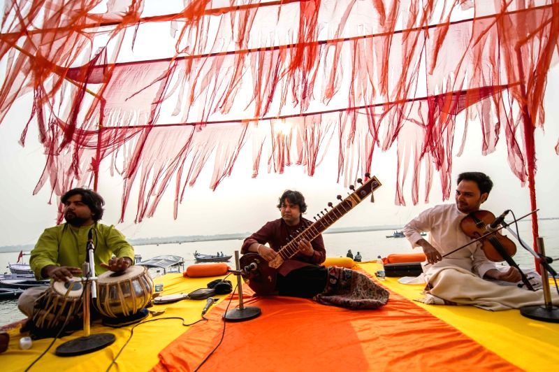 Azeem Ahmed Alvi opened the second day of the Mahindra Kabira Festival with his sitar seamlessly fusing the serenity of the morning sunrise with the flow of the river in Varanasi in ...
