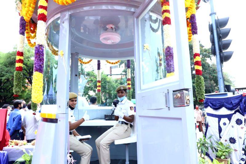 B'luru civic body opens hi-tech traffic monitoring booth.