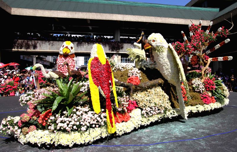 Photo taken on March 1, 2015 shows a flower float during a grand flower float parade at the Flower Festival in Baguio City, the Philippines. (Xinhua/Roel ...
