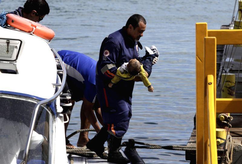 10 dead, dozens missing after boat sinks in Brazil