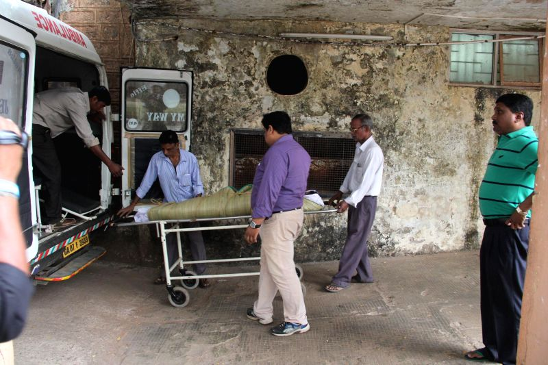 The body of 27-year-old fashion designer Isha Mantry, who died under mysterious circumstances at a music festival held at Candolim, Goa being handed over to her family members at Bambolim,