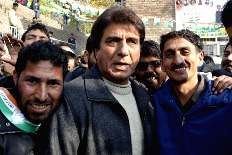 Congress leader and actor Raj Babbar during a rally ahead of Jammu and Kashmir Assembly Polls at Bandipora, on Nov 18, 2014.