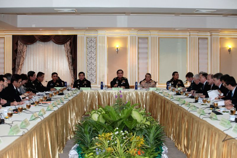 Chief of the National Council for Peace and Order (NCPO) Prayuth Chan-ocha (C) meets with representatives of Foreign Chambers of Commerce at Royal Thai Army ...
