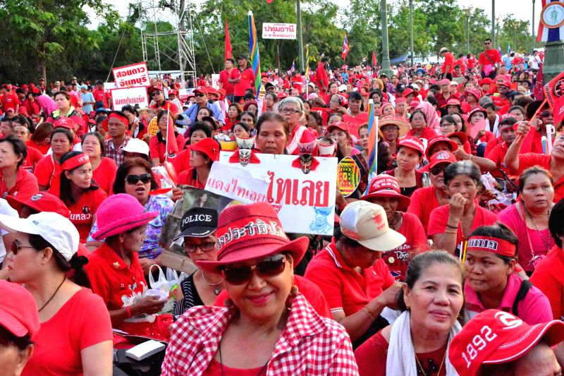 Pro-government protesters rally in Aksa on the outskirts of Bangkok, Thailand, May 10, 2014. Supporters of Thailand's embattled government streamed into western ...