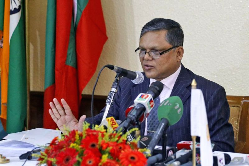 Bangladesh Cabinet Secretary Muhammad Musharraf Hossain Bhuiyan during a press conference after the second meeting of the SAARC cabinet secretaries in Dhaka on April 27, 2014.