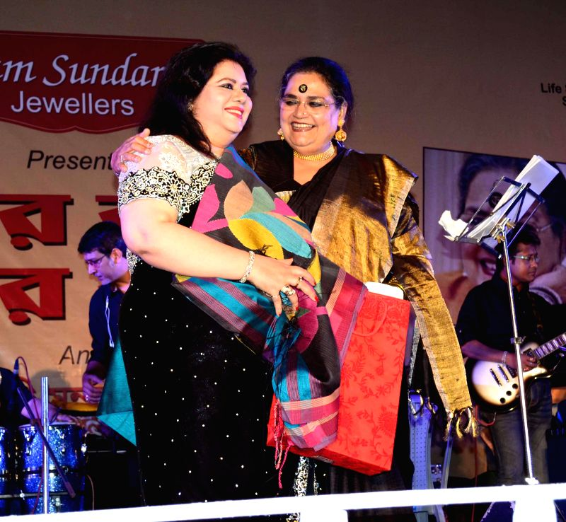 "Bangladeshi Folk Singer Runa Laila and singer Usha Uthup during ""Epar Bangla Opar Bangla"" a programme organised to honor the art of Jewellery Making and recreate the oneness between India and ..."