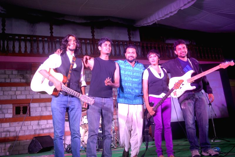 Banglore based folk band Lagori performing at Manali Summer Sundowners