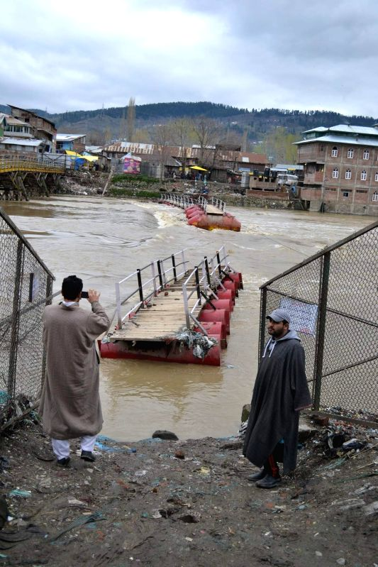 A pontoon bridge over the Jhelum that got washed away, in Baramulla on April 3, 2015.