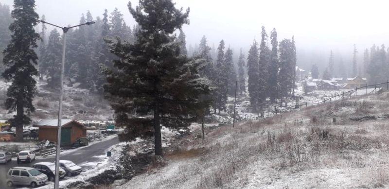 Baramulla: The famous Ski resort Gulmarg in North Kashmir's Baramulla district received the season's first snowfall on Nov 14, 2020. (Photo: IANS)