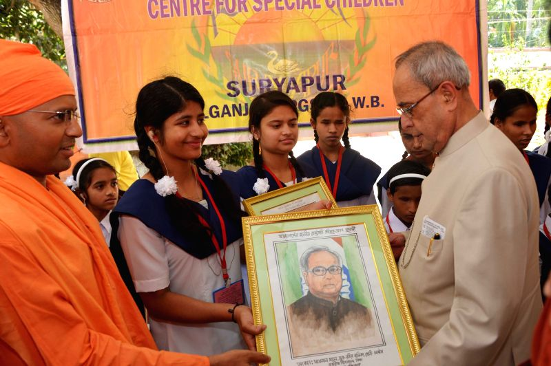 President Pranab Mukherjee during inauguration of the new building of Sarada Ma Girls College in Barasat of West Bengal on April 2, 2015. - Pranab Mukherjee