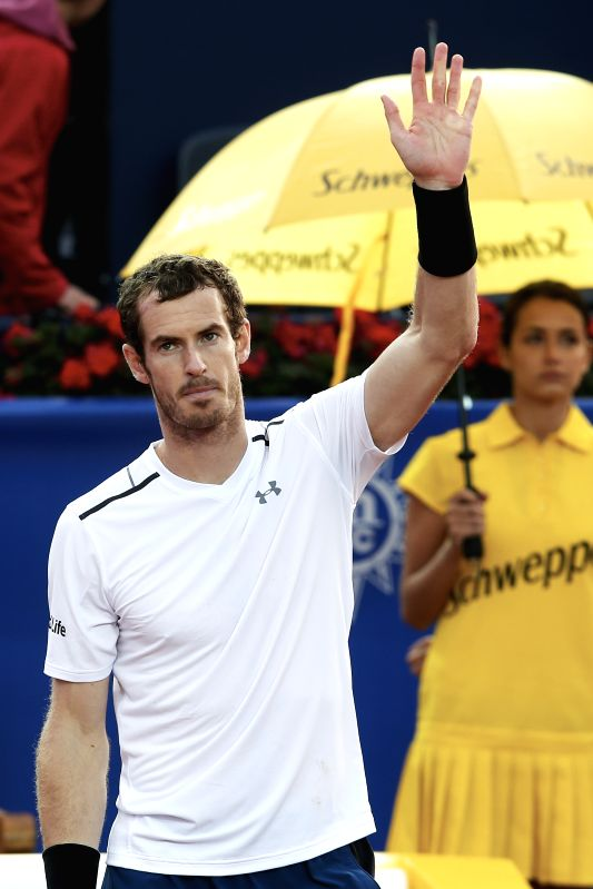 BARCELONA, April 28, 2017 - Britain's Andy Murray waves to the spectators after the ATP 2017 Barcelona Open Round of 16 match against Spain's Feliciano Lopez in Barcelona, Spain, April 27, 2017. ...