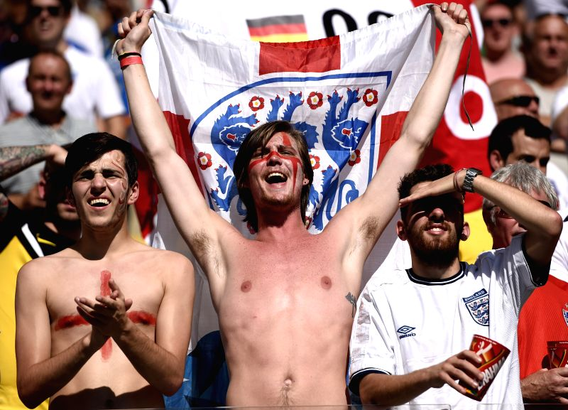 England's fans cheer before a Group D match between Costa Rica and England of 2014 FIFA World Cup at the Estadio Mineirao Stadium in Belo Horizonte, Brazil, .