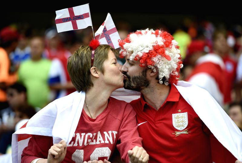 England's fans kiss before a Group D match between Costa Rica and England of 2014 FIFA World Cup at the Estadio Mineirao Stadium in Belo Horizonte, Brazil, ..