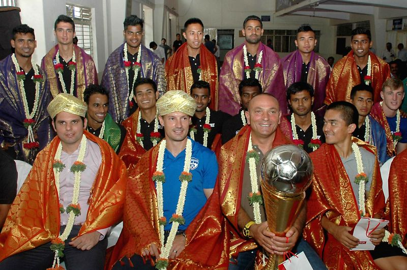 Bengaluru Football Club (BFC) COO Mustafa Ghouse with BFC Coach Ashley Westwood and BFC captain Sunil Chhetri and other team members with their I League Champions Trophy, during their felicitation ... - Sunil Chhetri