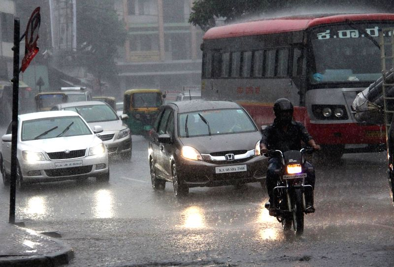 Heavy rains lash in Bengaluru on May 16, 2015.