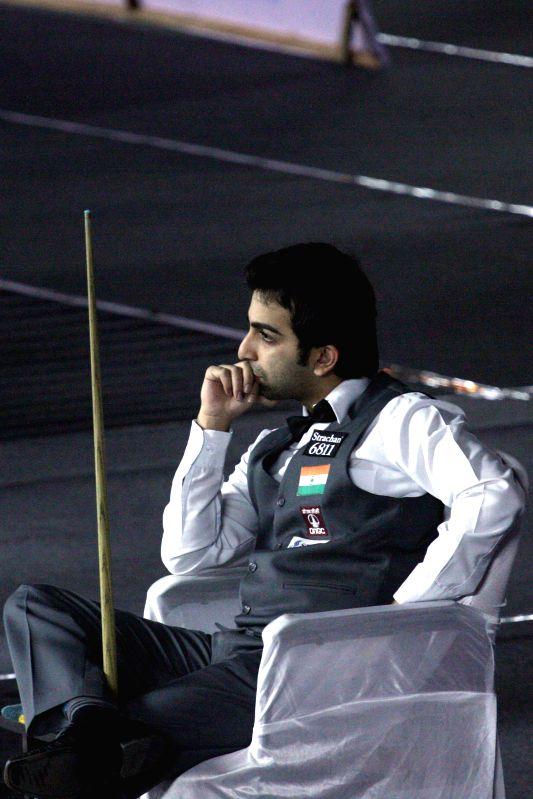 Indian player Pankaj Advani during IBSF World Snooker Championships at Kanteerava Stadium, in Bengaluru on Nov. 28, 2014.