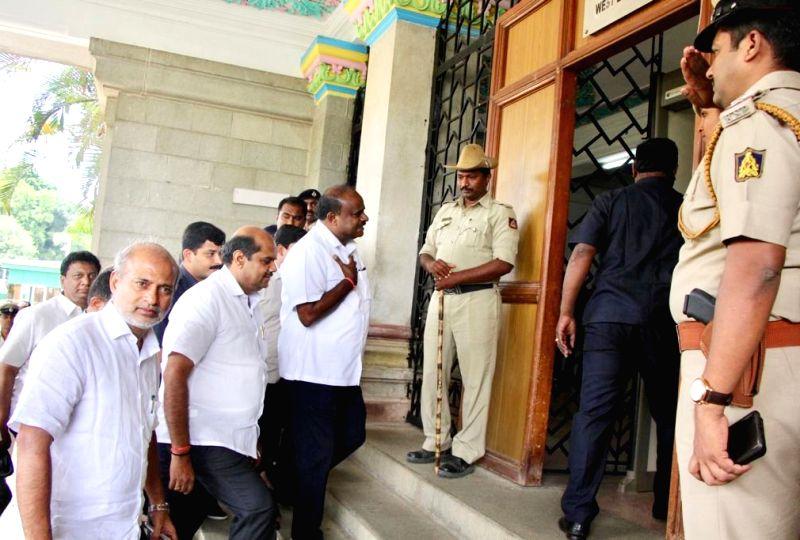 Bengaluru: Karnataka Chief Minister HD Kumaraswamy arrives at Vidhana Soudha in Bengaluru on July 11, 2019.