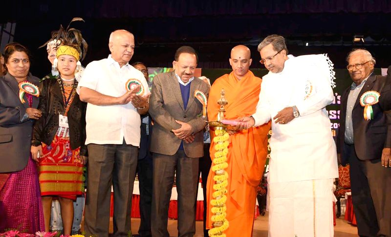 Karnataka Chief Minister Siddaramaiah during the inauguratation of `22nd National Children`s Science Congress-2014` organised by Dept. of Science and Technology Govt. of India, also seen .. - Siddaramaiah and S R Patil