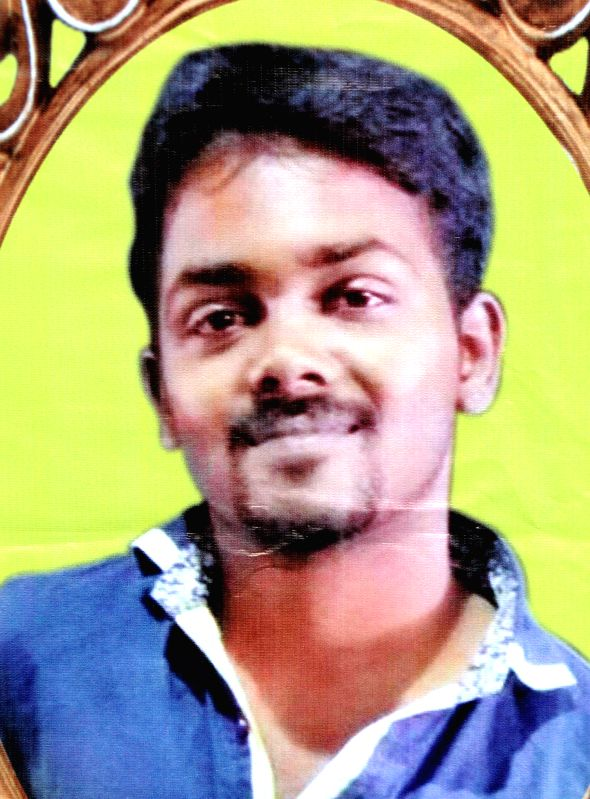Malaiyan Pakshirajan alias Balaji who died in a road accident in Bengaluru on Jan. 3, 2014. The family members of the 30-year-old software engineer donated his organs to the hospital who ..