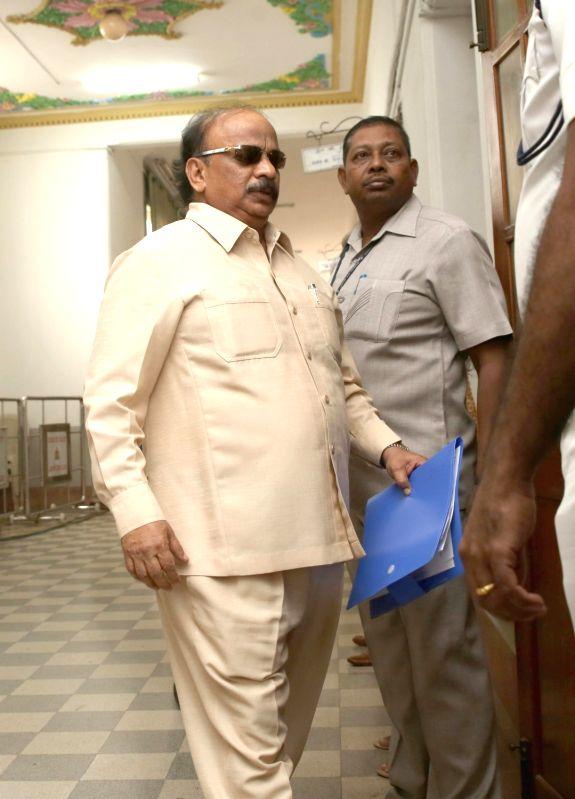 Bengaluru: Rebel Congress legislator Roshan Baig arrives at Karnataka Assembly Speaker Ramesh Kumar's chambers to submit his resignation letter in Bengaluru on July  11, 2019. (Photo: IANS)