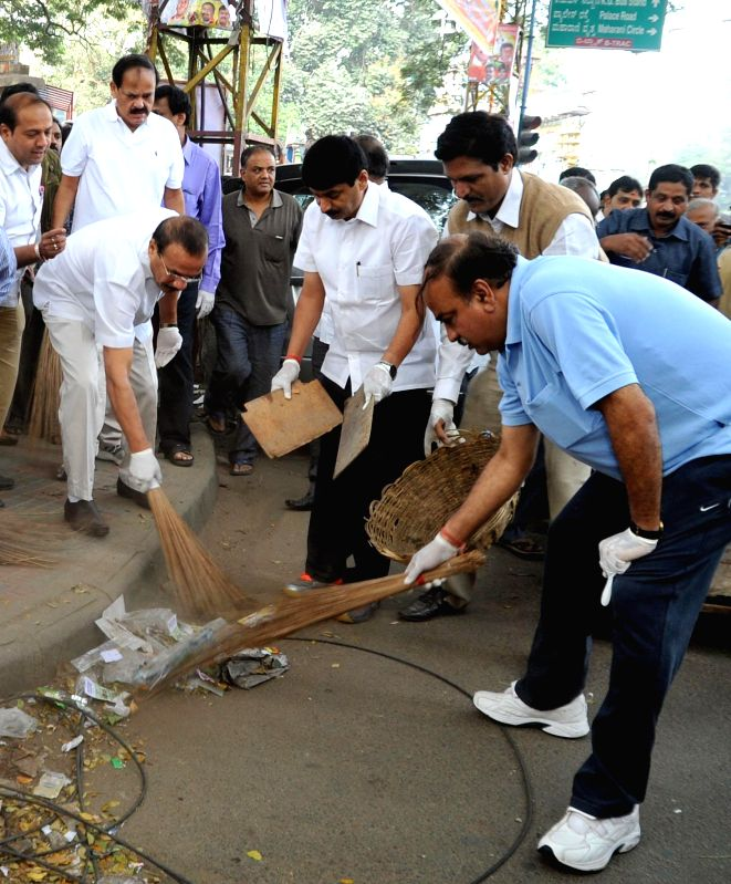 The Union Minister for Chemicals and Fertilizers Ananth Kumar, Union Law and Justice Minister D. V. Sadananda Gowda and and the Union Minister for Urban Development, Housing and Urban ... - D. V. Sadananda Gowda, M. Venkaiah Naidu and Ananth Kumar