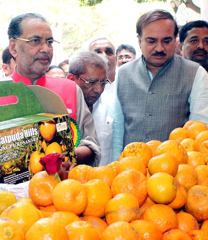 Union Chemicals and Fertilizers Minister Ananth Kumar with Agriculture Minister Radha Mohan Singh at the inauguration of `Horti Sangam 2015` organised by the Horticulture Department of ... - Ananth Kumar and Radha Mohan Singh