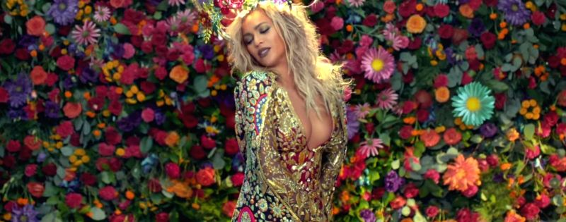 Beyonce in Abu Jani Sandeep Khosla creation