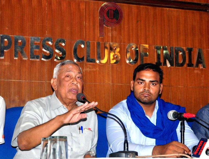Bheem Sena leaders Jai Bhagwan Jatav (L) and Ravi Kumar Jatav (R) during a press conference on Saharanpur violence in  New Delhi on May 25, 2017. - Ravi Kumar Jatav