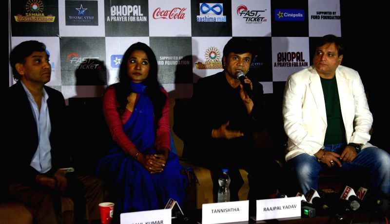 Filmmaker Ravi Kumar with actors Tannishtha Chatterjee, Rajpal Yadav and Manoj Joshi during a press conference to promote their upcoming film `Bhopal: A Prayer for Rain` on the 30th ... - Ravi Kumar, Tannishtha Chatterjee, Rajpal Yadav and Manoj Joshi