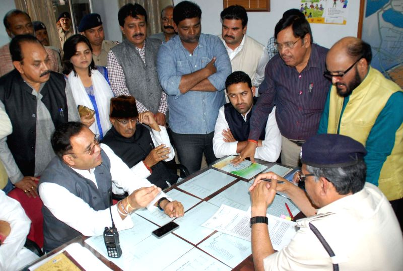 Madhya Pradesh Congress chief Arun Yadav and the leader of opposition in the Madhya Pradesh Assembly Satyadev Katare and others lodge a complaint regarding alleged irregularities in the ... - Arun Yadav