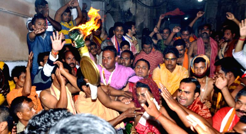 Devotees throng the Lingaraja Temple on Mahashivratri in Bhubaneswar on Feb 17, 2015.