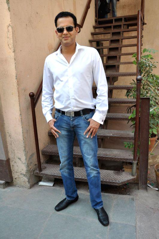 Bigg Boss 14: 'Possessed' Rakhi Sawant tears off Rahul Mahajan's clothes