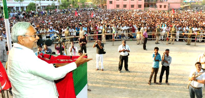 Bihar Chief Minister and JD-U leader Nitish Kumar addresses a rally in Khagaria district of Bihar on April 22, 2014.